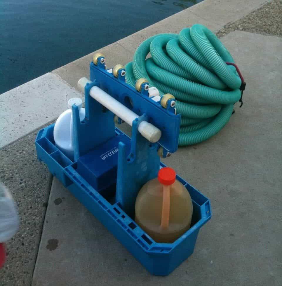 Solutions pour traiter l'eau de la piscine